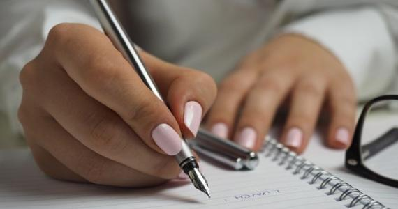 TEST YOURSELF: What your handwriting says about your character?